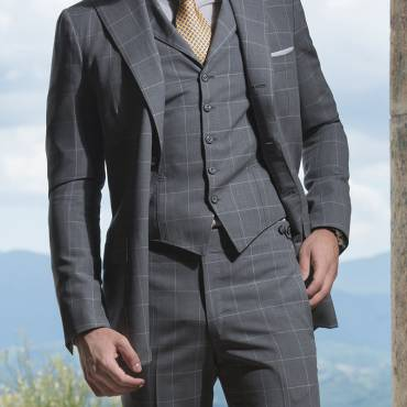 Windowpane plaid pattern grey: the classical alternative