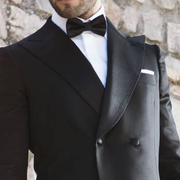 Double-breasted tuxedo: the formal style in a double-breasted solution